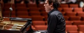 Davide Santacolomba, il pianista sordo palermitano a Tu Si Que Vale