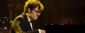 """Davide Santacolomba: """"Sono sordo e faccio il pianista: la mia incredibile storia"""""""